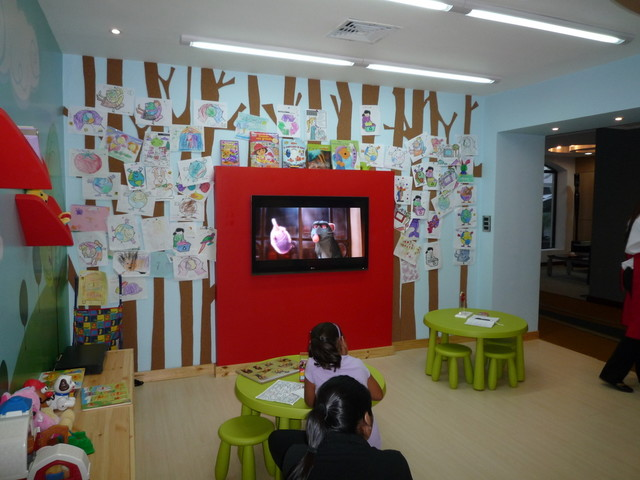 Daycare playroom - Daycare room design ...