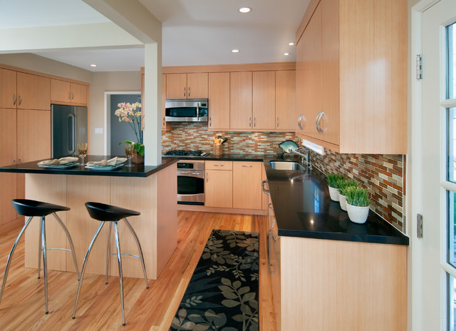 Bellmont Cabinets - Contemporary - Kitchen Cabinetry - other metro - by Green Depot