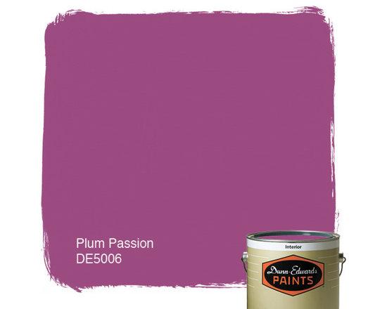 Dunn-Edwards Paints Plum Passion DE5006 -