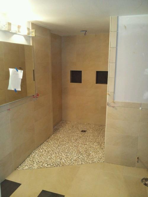 Model Lay Bathroom Wall Tiles Horizontally Or Vertically