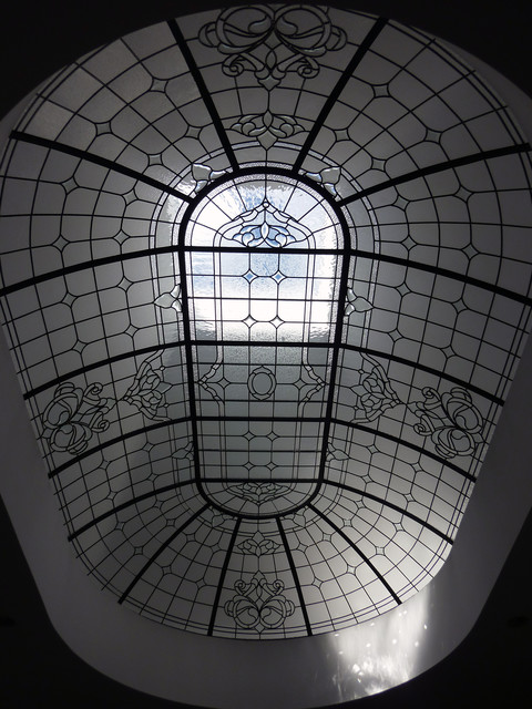 Leaded Glass Racetrack Oval Dome traditional-skylights