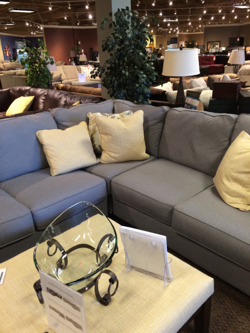 Wall color for dark gray couch with yellow accent pillows for Grey couch accent colors
