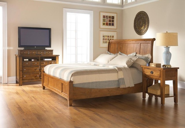 Broyhill Attic Heirlooms Sleigh Bedroom Set 4397 Sleigh Set Traditional Bedroom