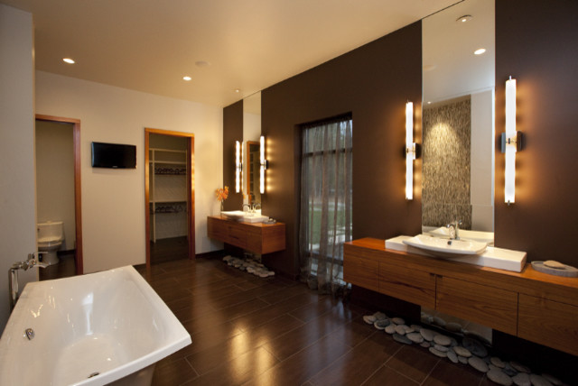 Private residence / Parade of homes asian-bathroom