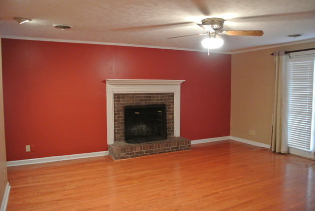 808 McLure Ave, Opelika, AL  36801 traditional-family-room