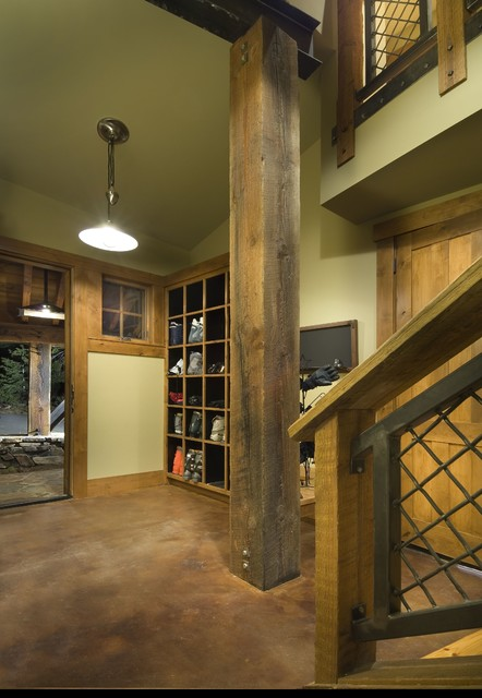 1747 Grouse Ridge Road rustic-entry