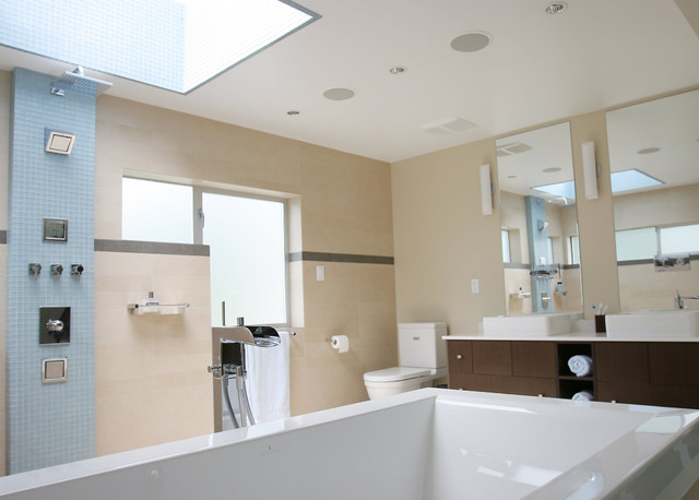 ottawa ave, west vancouver bc contemporary-bathroom