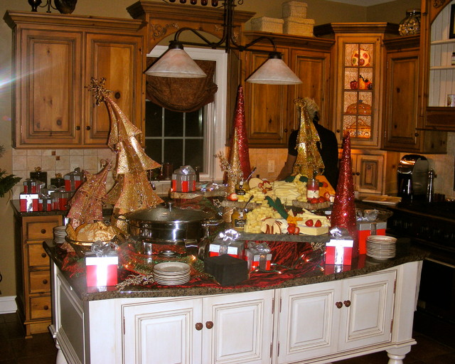 Holiday Entertaining traditional-kitchen