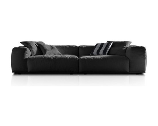 Pianca - Pianca | Delano Composition 1 Sofa - Design by R&S Pianca. Made in Italy by Pianca. Fall into a world of relaxation with the Delano Composition 1 Sofa. Composed of a low back rest and a large, plush body, the sofa invites tired bodies to rest and enjoy the comforts of its design. Easily enhance your living arrangement with a sofa that effortlessly adapts and compliments any situation while providing you with comfort. Turn your home into a comfortable, yet stylish, home.  Product Features: