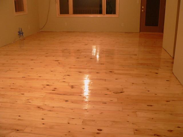 Knotty alder hardwood flooring wood floors for Knotty laminate flooring