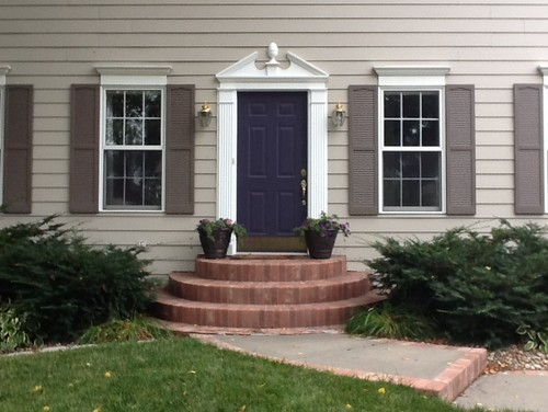 Front stoop entry needs to be redone need help for Front door stoop ideas