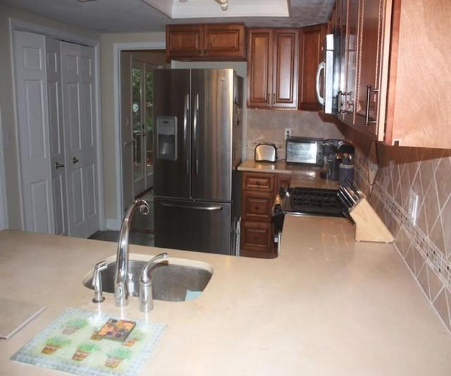 Brown Kitchen Cabinets | Sienna Rope Door Style | Kitchen Cabinet Kings kitchen-cabinetry