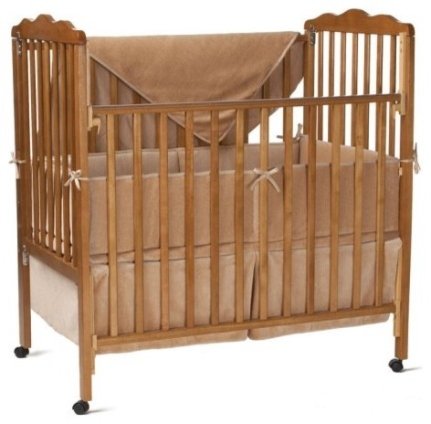 The delicate composition of this American Baby Company Organic Cotton Velour 3 P traditional cribs