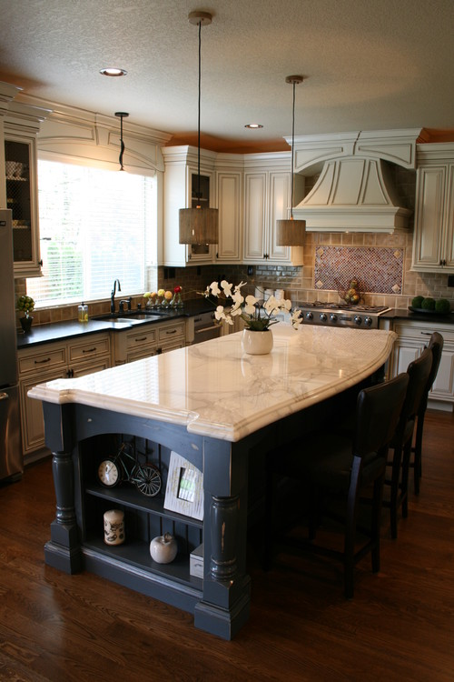 how many pendants should you hang over a kitchen island