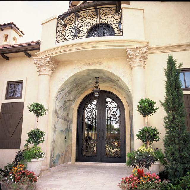 Elegante Iron eclectic-front-doors