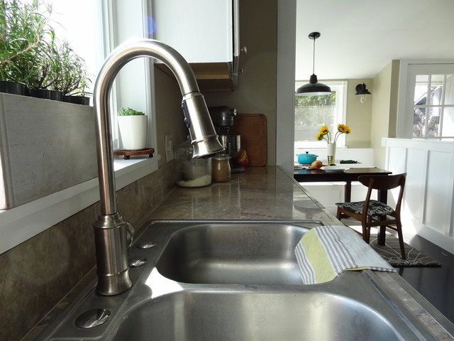 How To Replace Your Kitchen Sink Faucet