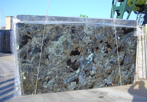 Lemurian Blue Granite and best lighting to show off opalescence