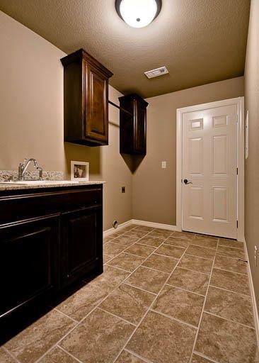 2152 Floor Plan traditional-laundry-room