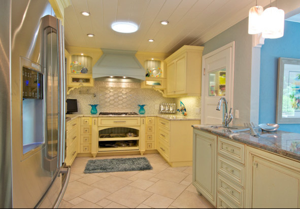 Tropical Island Kitchen : Island Kitchen - Tropical - Kitchen - tampa - by Trade Mark Interiors ...
