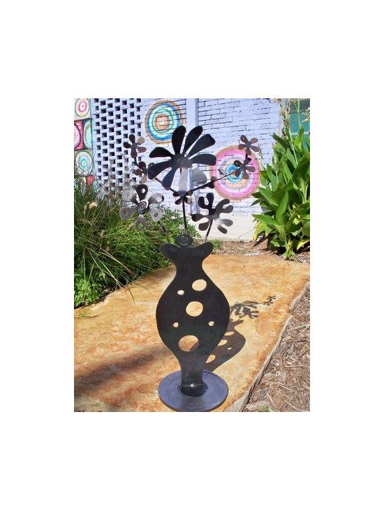 Curvy Vase - sculpture -