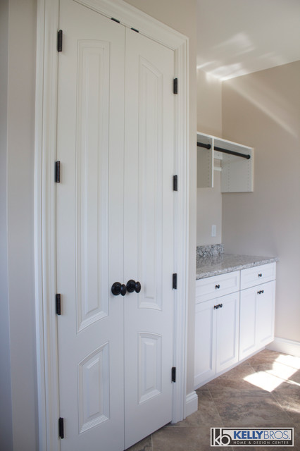 Northern Kentucky New Construction Traditional Laundry Room Cincinnati By Kelly Brothers