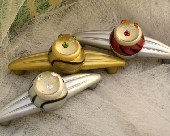 "Susan Goldstick, Inc. - Orbit Congo Drawer  Pulls - Orbit Congo light pulls are 5.25"" and are available in 2.5"",3.5"" and 4"" hole spans.  Varnished with polyurethane for durability in kitchens and baths, Orbit Congo light pulls can be coordinated with matching 2"" knobs."
