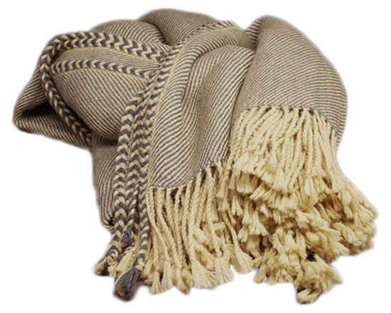 Divin Alpaca Throw Blanket - Rustic yet refined, this stunning handcrafted sofa throw blanket is a total stunner. Featuring supremely soft 100% Baby Alpaca yarn, this decorative throw blanket looks amazing on a cozy couch or chair or makes an outstanding gift for the holidays.