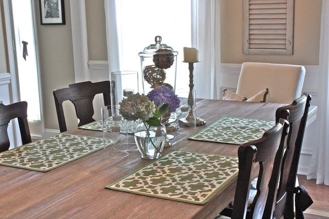 Centerpiece eclectic-dining-room
