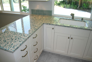 kitchen remodeling ideas for green countertop materials