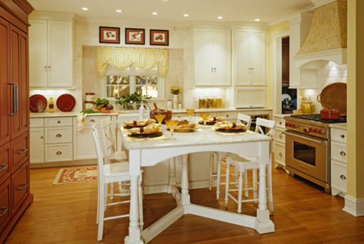 Tradtional Kitchen by EW Kitchens/Extraordinary Works traditional-kitchen