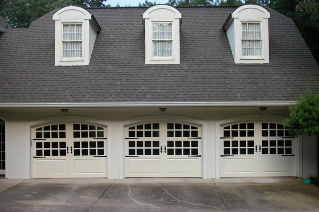 Carriage House Painted Garage Doors Farmhouse Garage