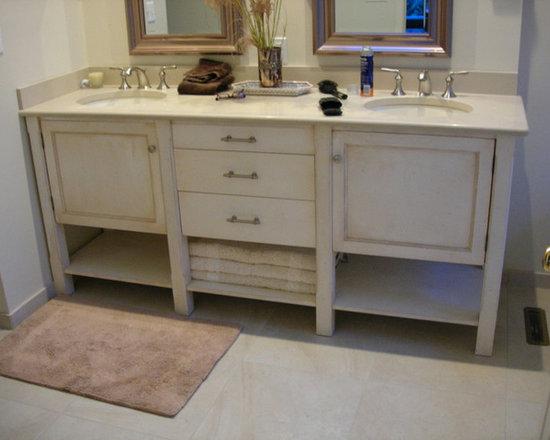Bathroom Cabinets & Vanities -