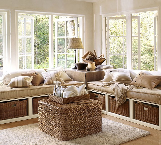 Daybeds traditional-family-room