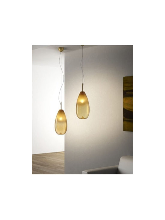 Ombre S Pendant Lamp By Leucos Lighting - Ombre S pendant lamp by Leucos Lighting is a modern pendant lights, blown from amber smoked glass infused with silica sand dust.
