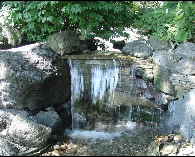 Pondless Waterfalls Disappearing Waterfalls Low Maintenance Landscape Edition Eclectic