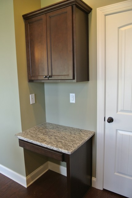 2054 Mohican Drive craftsman-kitchen