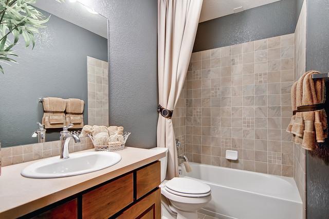 Heritage at Stapleton traditional-bathroom