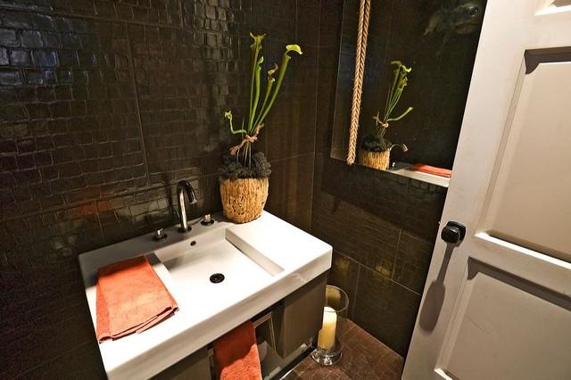 Half Bathroom Or Powder Room: Basic Black Half Bath