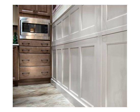Winslow Maple Wainscoting finish from Color Inspire -