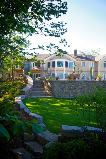 Syracuse property traditional-landscape
