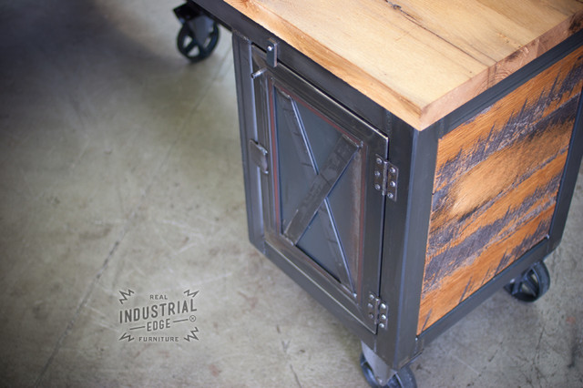 Custom Reclaimed Wood & Metal Reception Desk for Crush Gym industrial ...