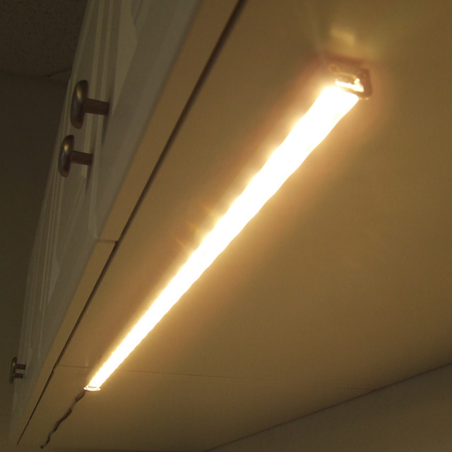 Traditional Undercabinet Lighting by EnvironmentalLights.com
