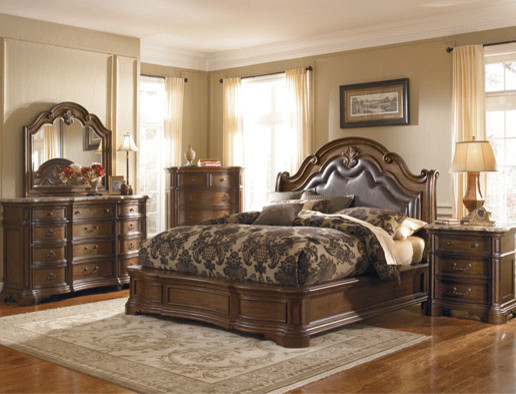 The Courtland traditional-beds