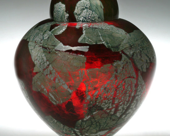 Solinglass in Brattleboro Vermont - Gold Ruby Emperor Bowl - Gold Ruby, 7 x 6.5 x 6.5 in