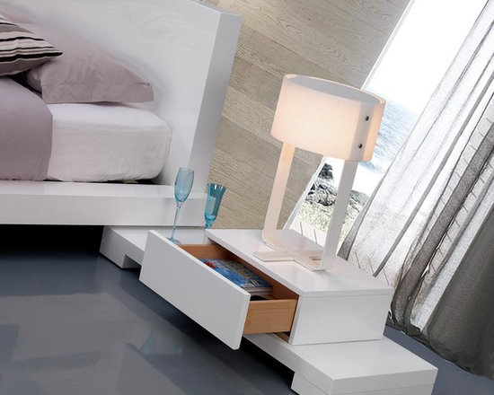 Galaxy - Bed with Walk-On Light Platform - VIG