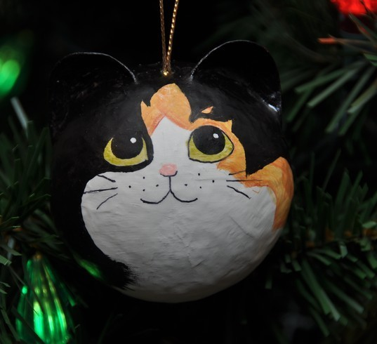 holiday decorations by catsofchristmas.com