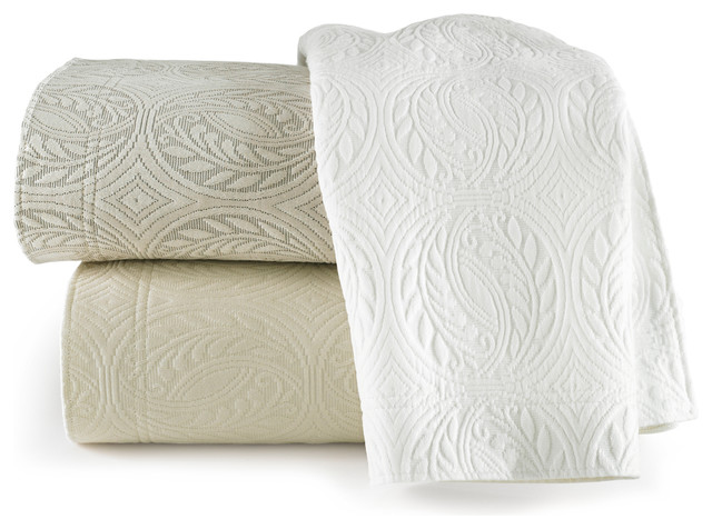Vienna Coverlet traditional-quilts