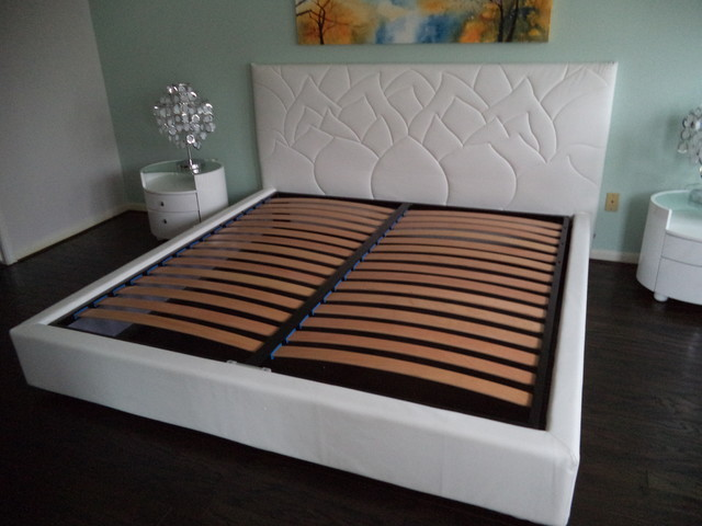 Furniture White & Aqua Zen Bedroom bedroom 640 x 480