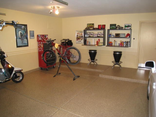 Residential Full Chip Garage Floors with Clearcoat