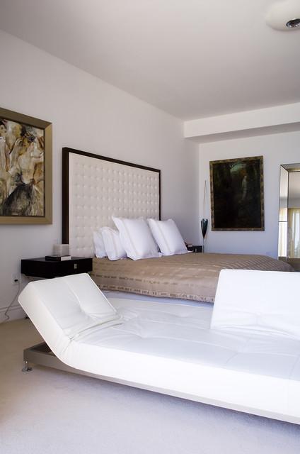 CRIS modern-bedroom